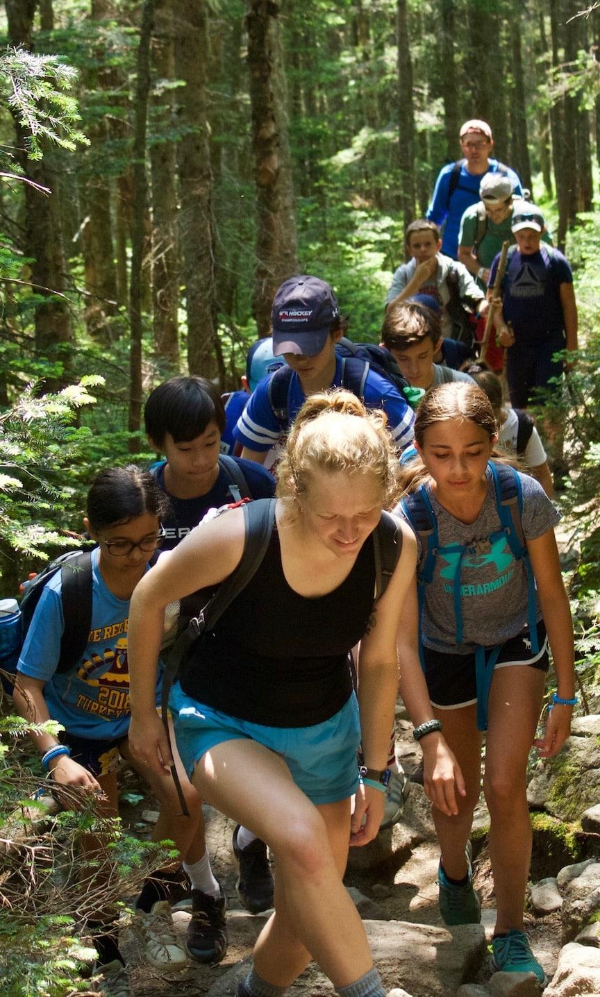 Teens hike Mt. Moosilauke on New England Adventure